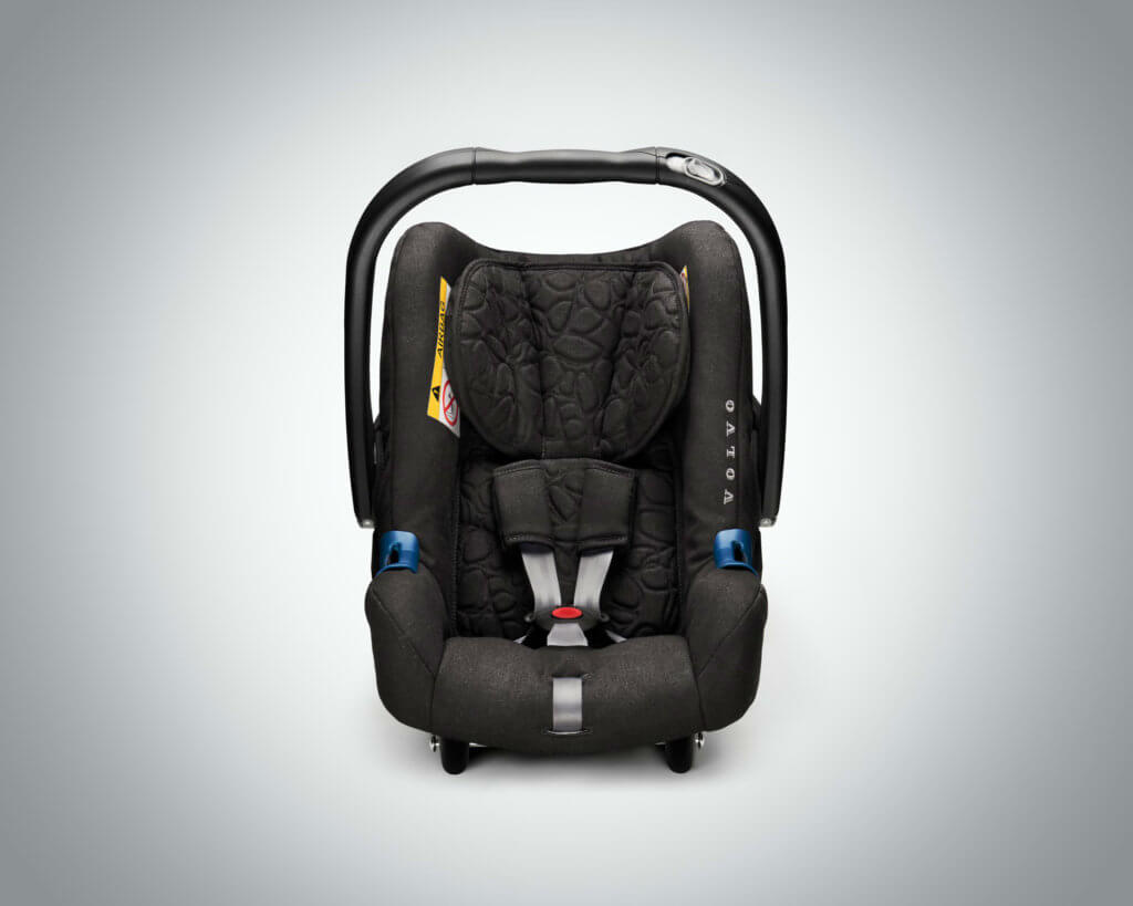 Rear-facing child seat for babies up to 15-months old