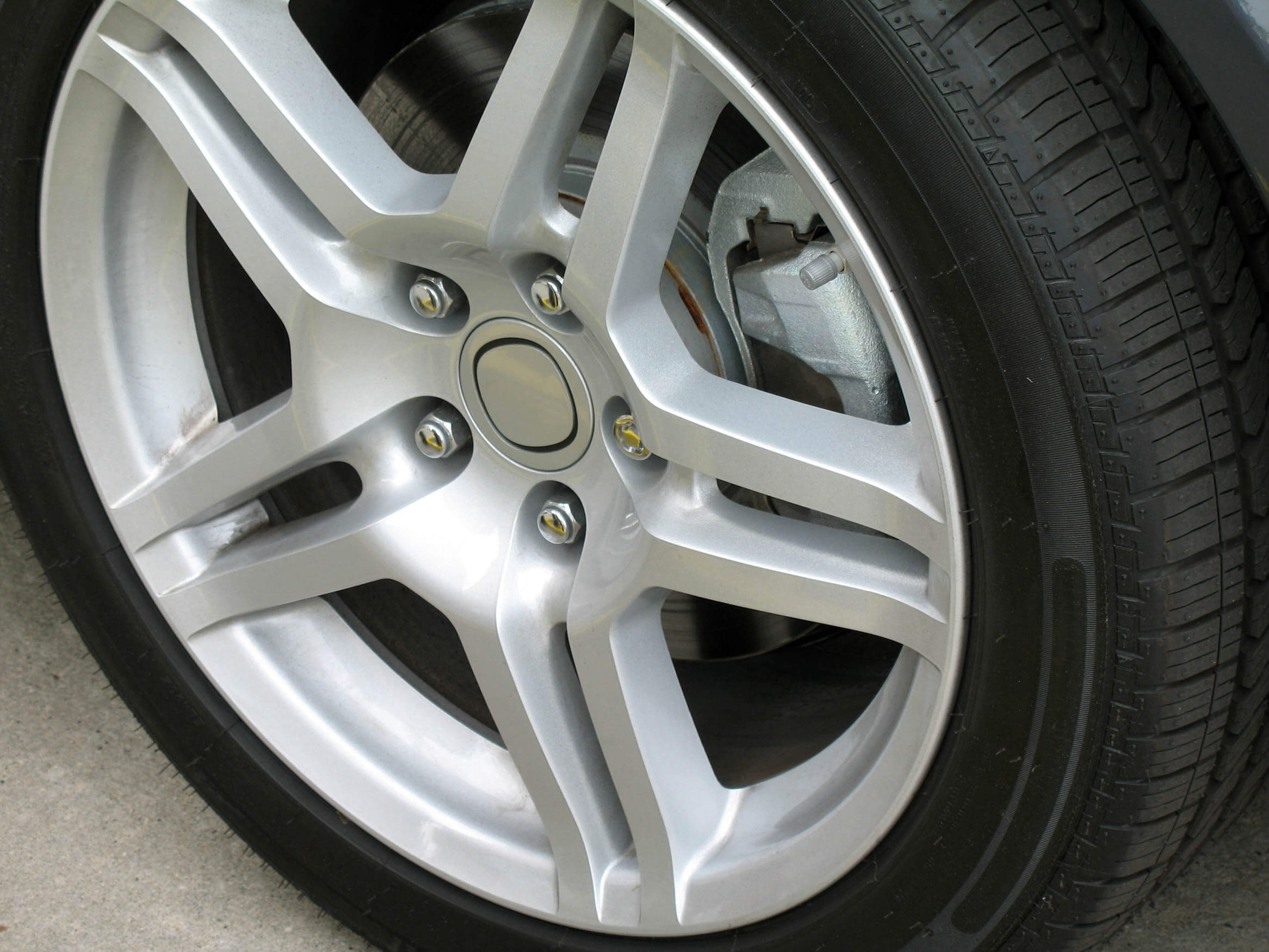 How to protect a car's alloy wheels from damage